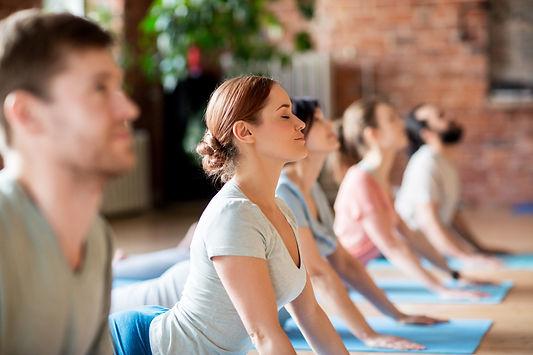 Yoga-Glueck_Alle.jpeg