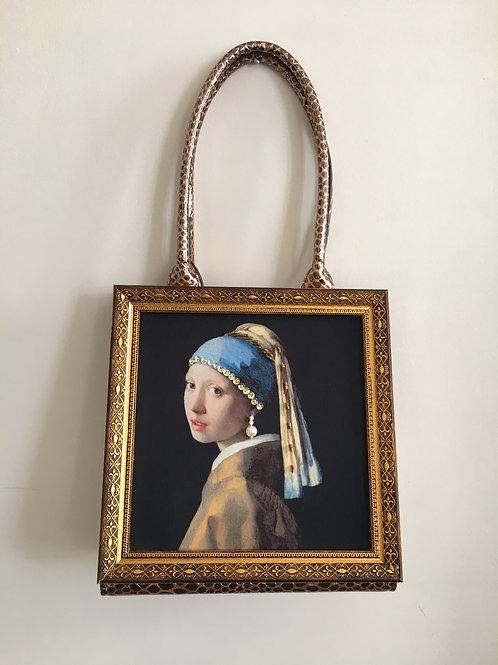 Pearl Earring Gril  Frame Handbag Bronze
