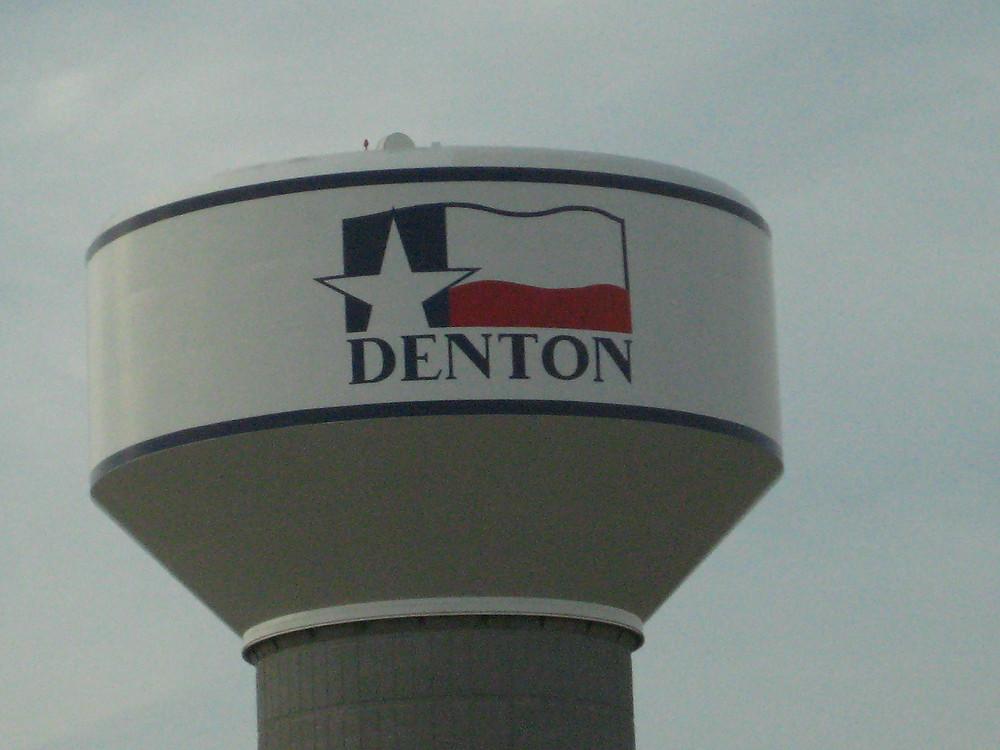 Denton_texas_water_tower.jpg