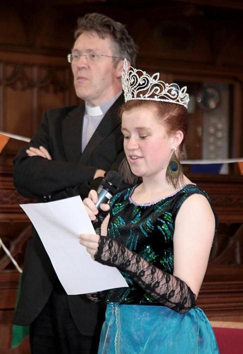 Senior Queen doing her speech