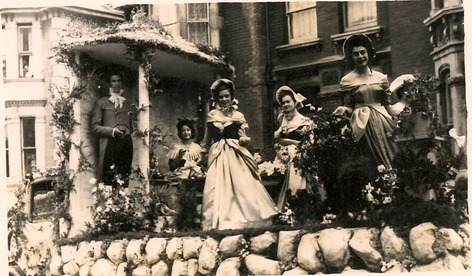 Sharpes of Ventnor float 1952- 'Cries of Old London 2.jpg