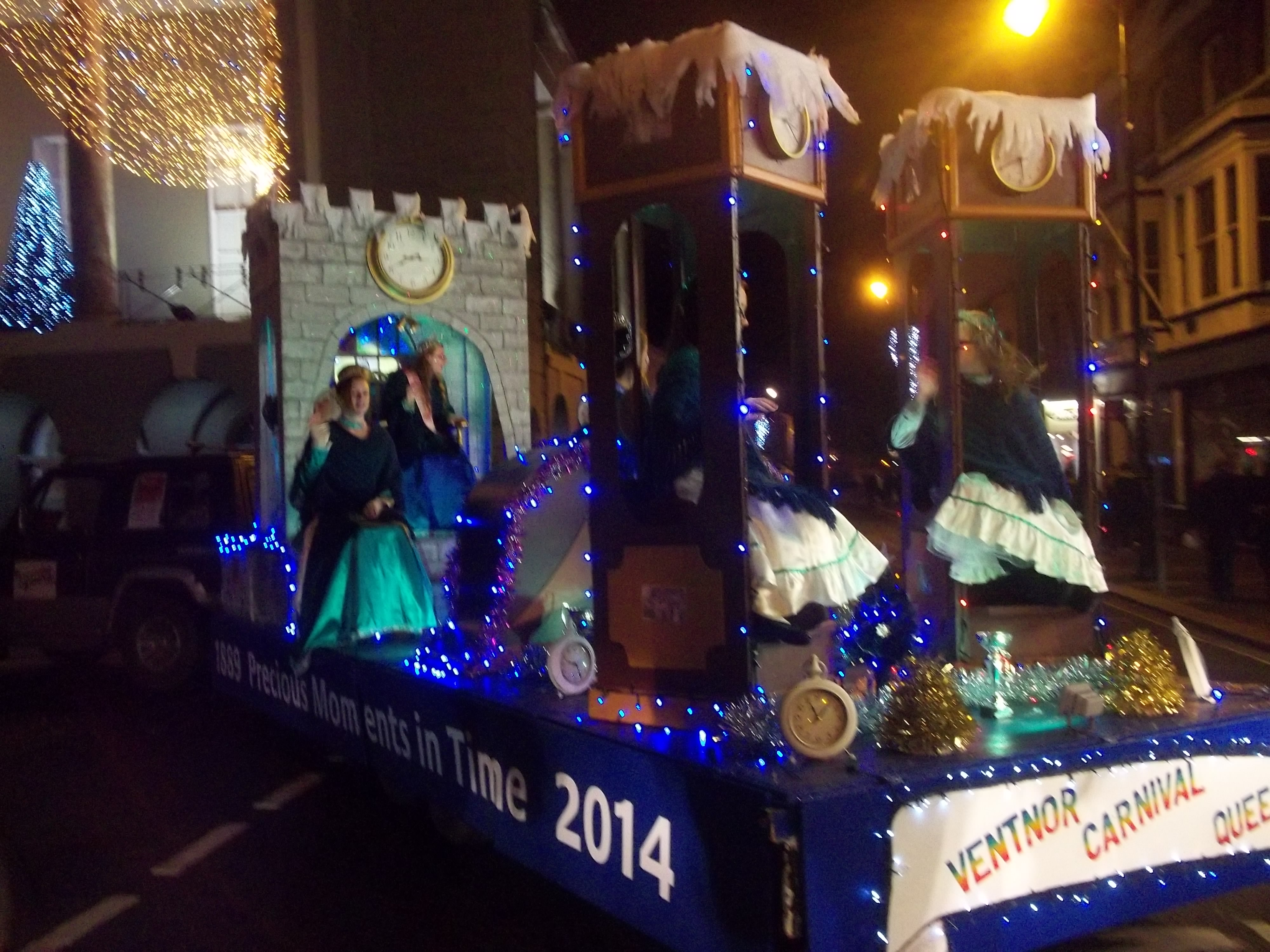 Newport Christmas Carnival- Ventnor Queens float