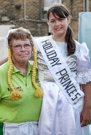 Ventnor Committee member with Holiday Princess