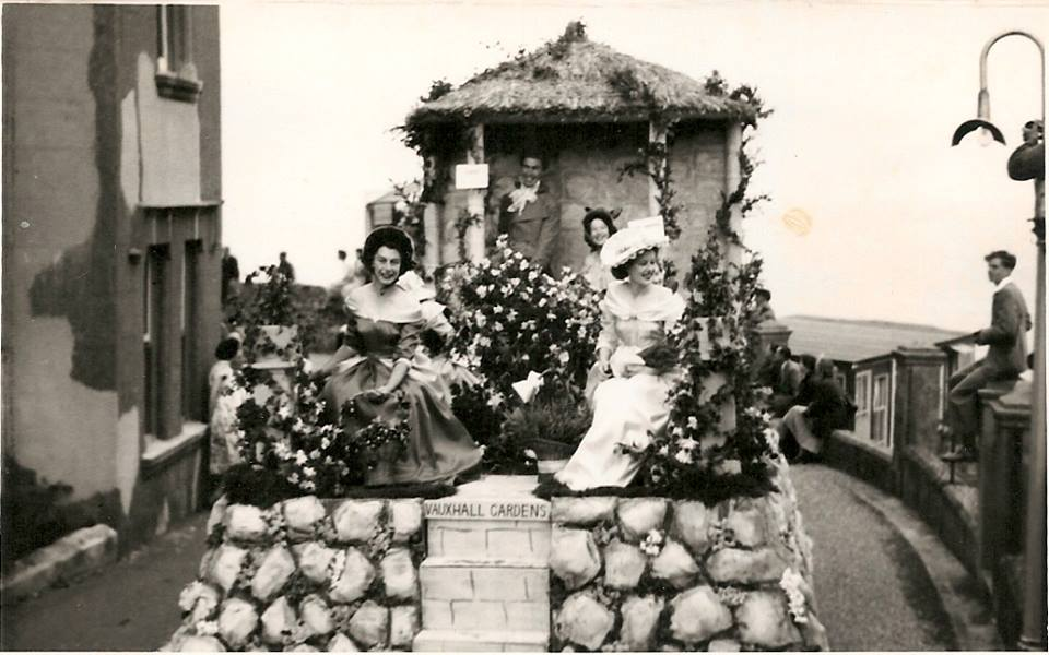 Sharpes of Ventnor float 1952- 'Cries of Old London'.jpg