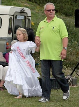 Holiday Princess entering