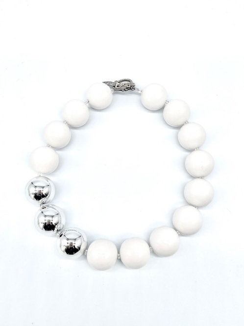 3 Shiny Silver Beads Necklace (Short)