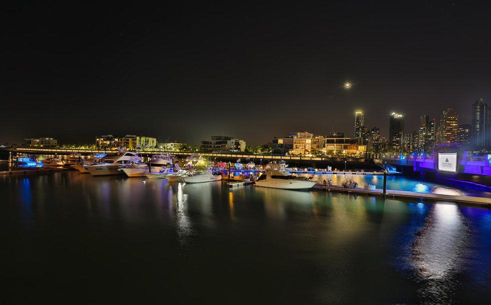 Vista de  marina y club de yates de lujo en Panamá