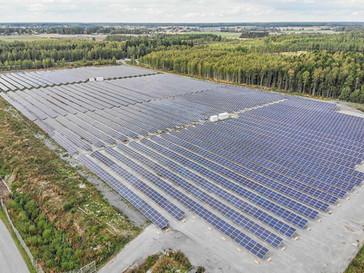 Laajennamme Suomen suurinta aurinkopuistoa Atrian Aurinkoa lähes kaksinkertaiseksi