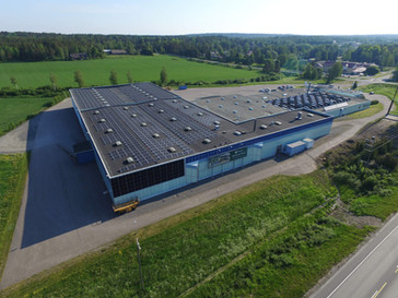 Fredmanin tehtaalle Raumalle yksi Satakunnan merkittävimmistä aurinkovoimaloista