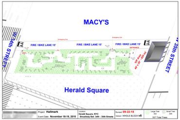 Hallmark Christmas Tree Maze - Herlad Square, New York City