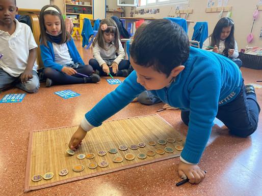 Aprenem els números jugant al Bingo!