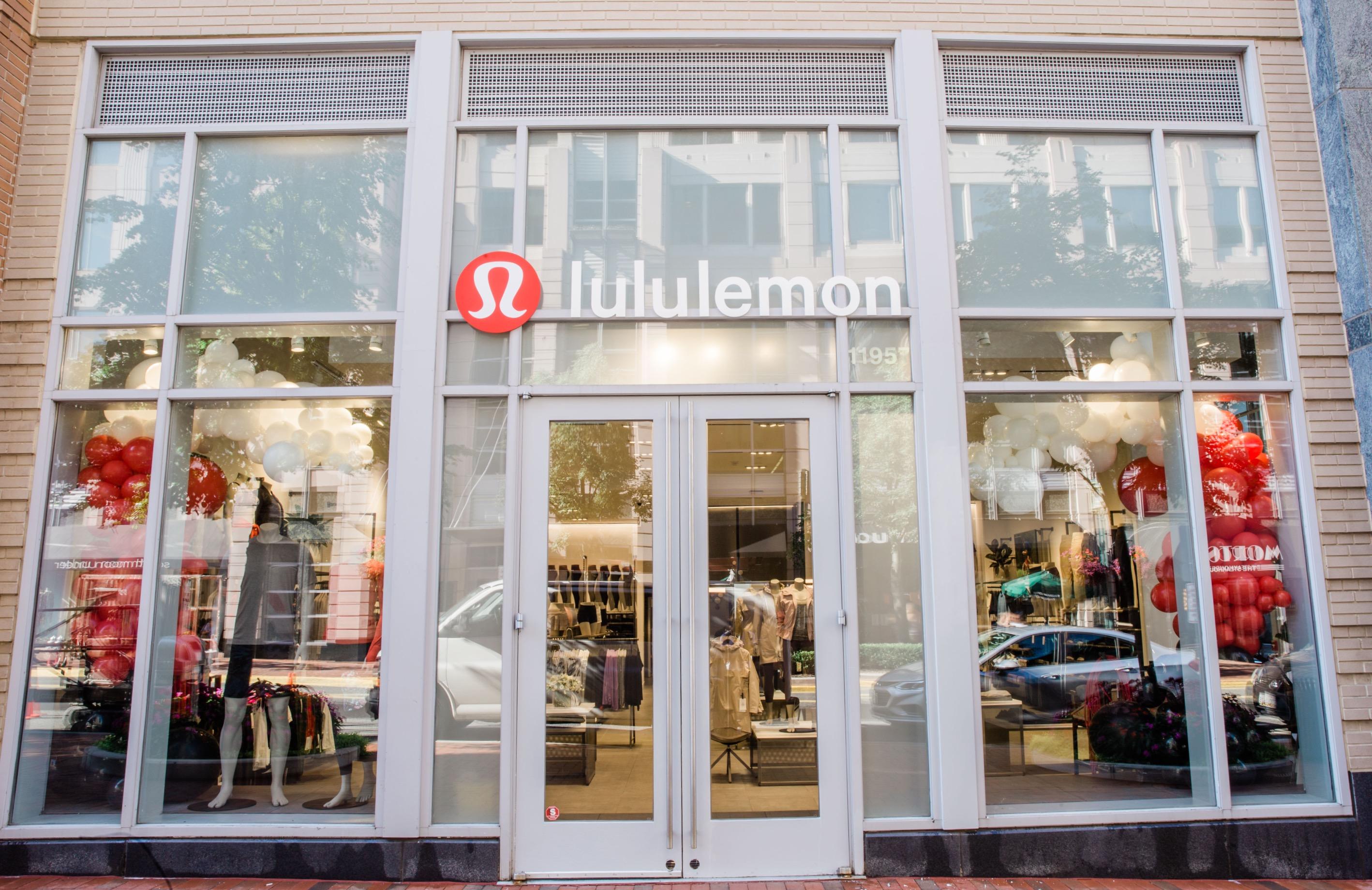 Retail Balloon Decor | Washington DC | Balloon Zoom