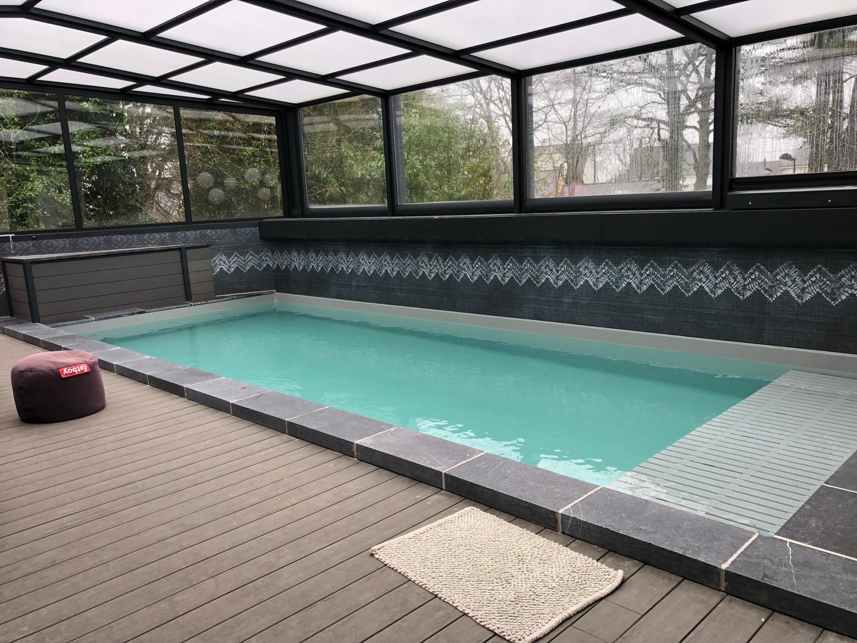 piscine contemporaine interieur.jpg