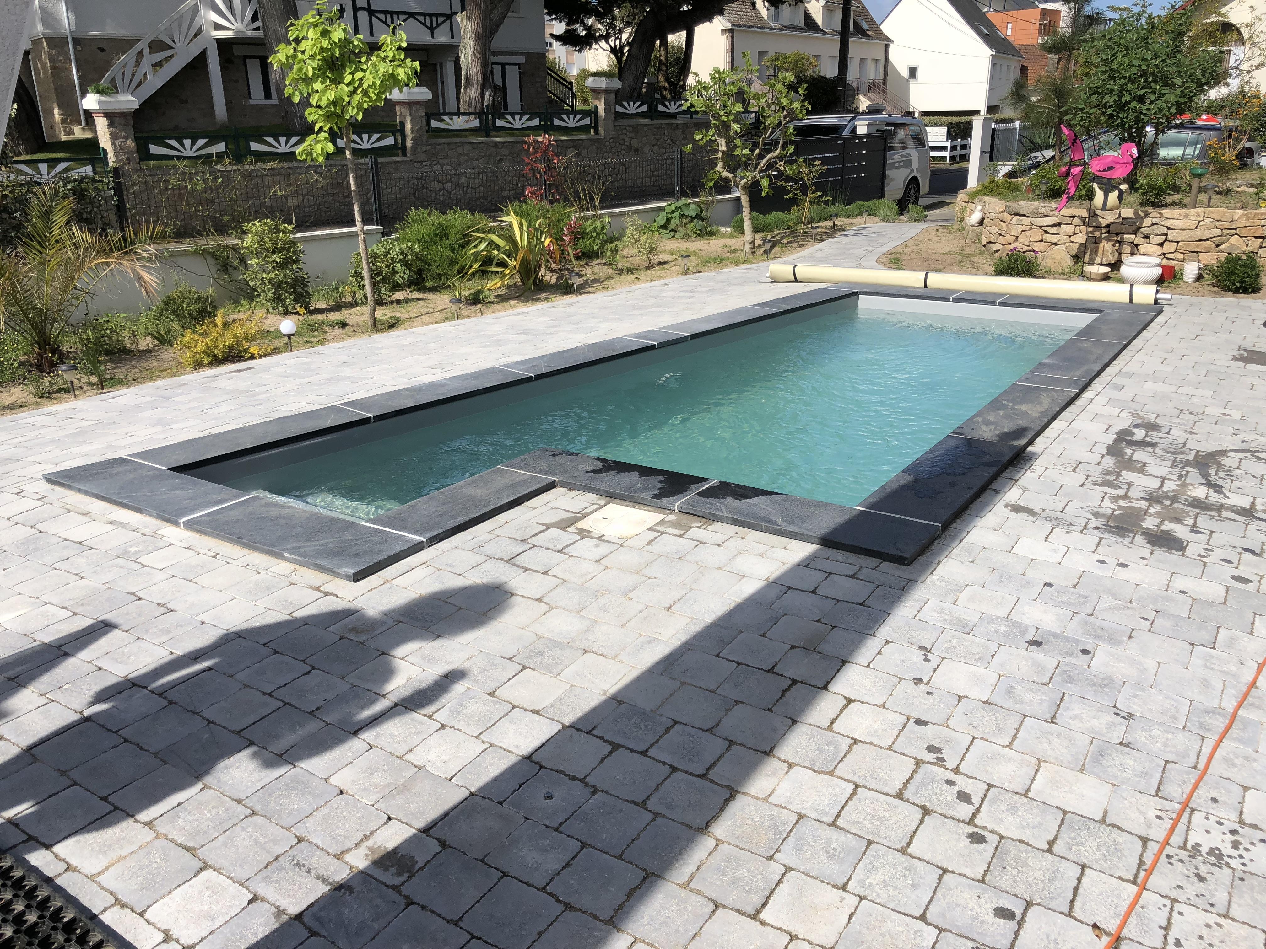 petite piscine contemporaine