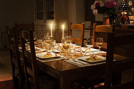 dinner-1433494_1920.jpg
