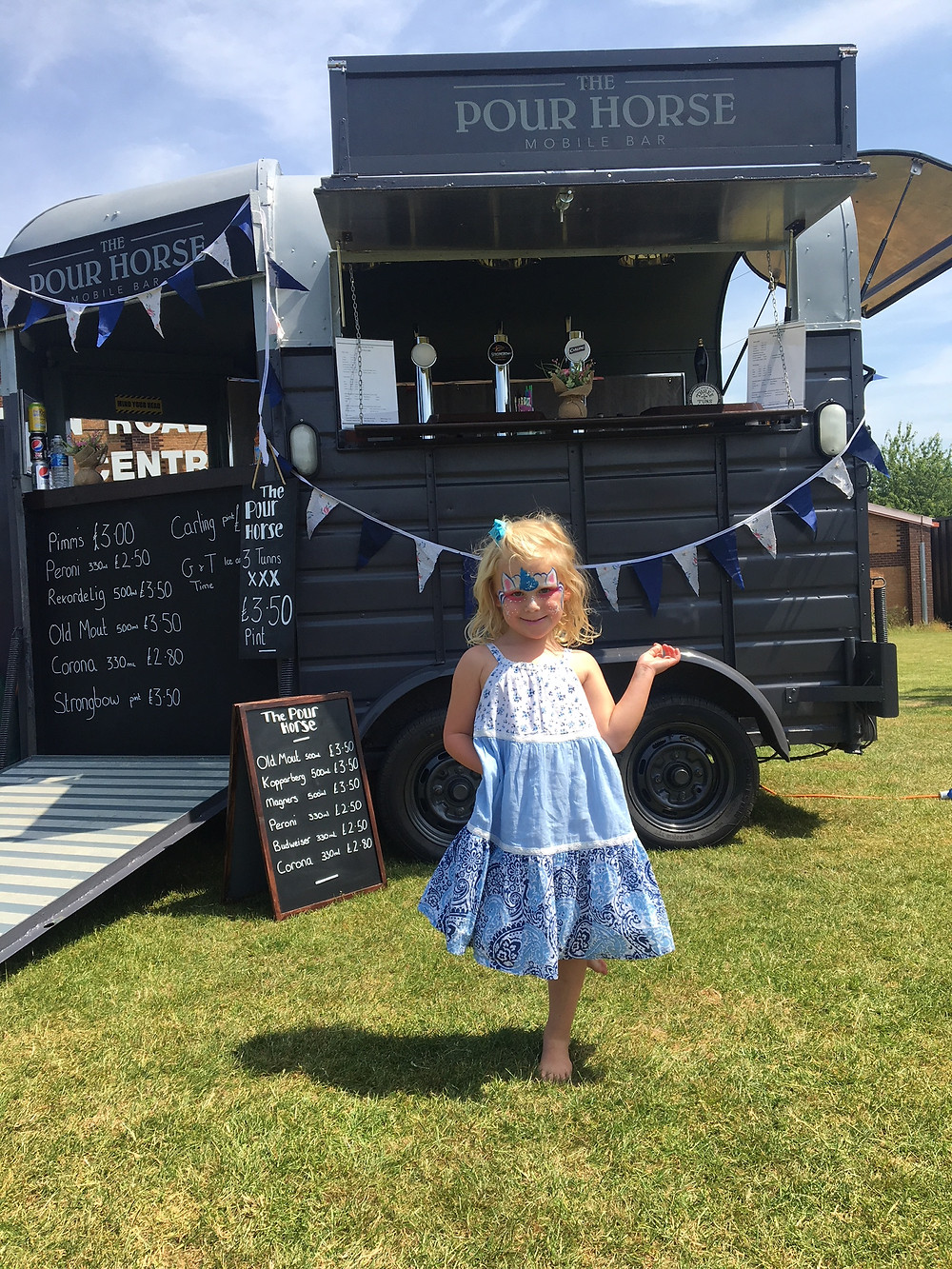 Mobile Bar in Shropshire, vintage bar in shropshire, charity fun day shrewsbury