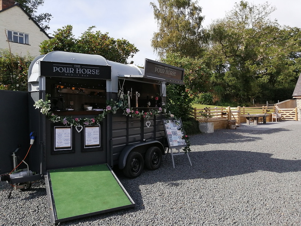 shropshire barn wedding, mobile bar shropshire