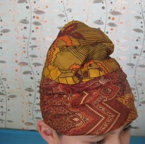 Chapeau fait avec cravates