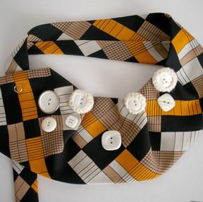 Accessoire fait avec cravate