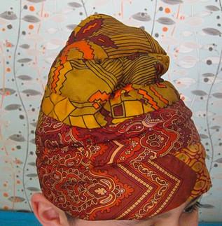 Chapeau fait avec des cravates