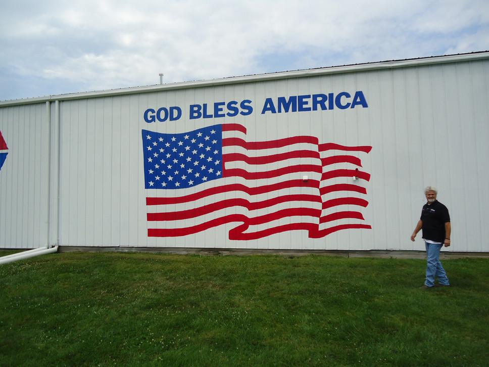King Bush US flag mural