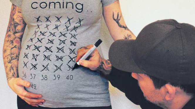 Baby is Coming T-shirt per future mamme