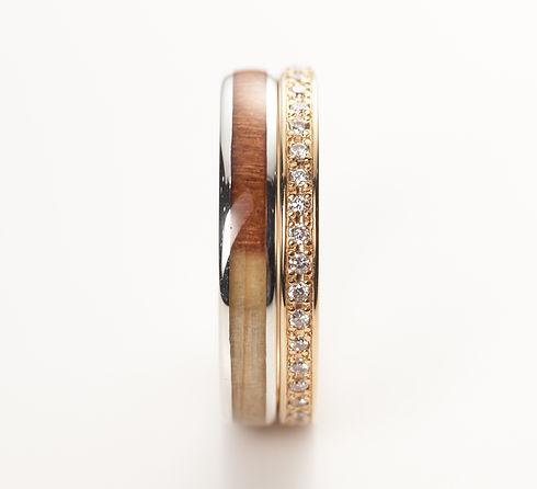 年輪の指輪に相性の良い、  重ね着け用のエタニティリング   セットリングとして人気  