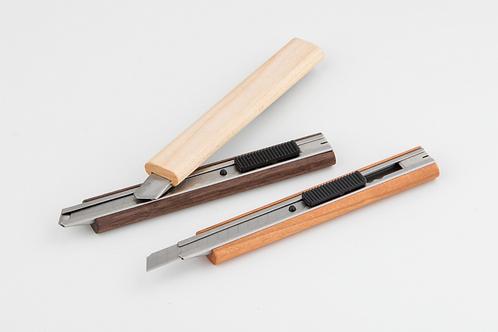 誕生木 カッターナイフ
