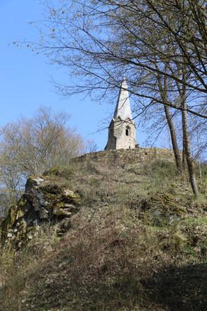"""IMG_7521.jpegBurgkirche Gossam, Ruhestätte der """"unfröhlichen Kinder"""""""