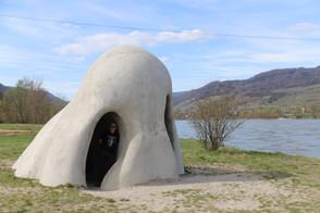 Wachauer Nase, Skulptur, Künstlergruppe Gelitin, Donau, Fähre, Rossatz-Arnsdorf, Österreich