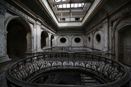 Schloss, Polen, Lost Place, decay, Treppen, Treppenhaus, Mausoleum, Urbexplorer, Fotoreisen, Fotoabenteuer