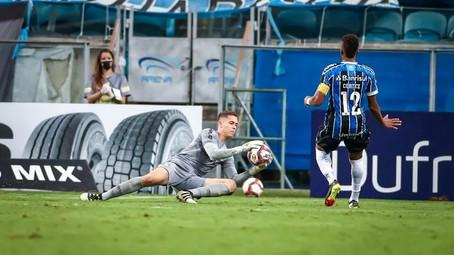 Brenno na seleção faz Grêmio voltar a analisar investida em goleiro!