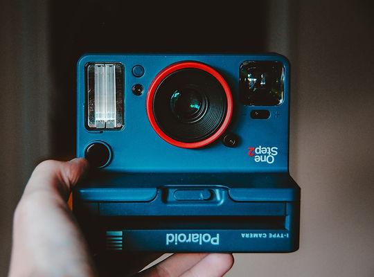 hello-i-m-nik-camera%20selfie-unsplash_e