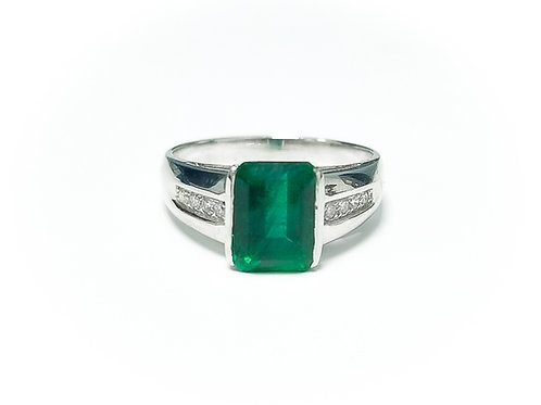 Emerald Emeraldcut Ring 2.4 cts