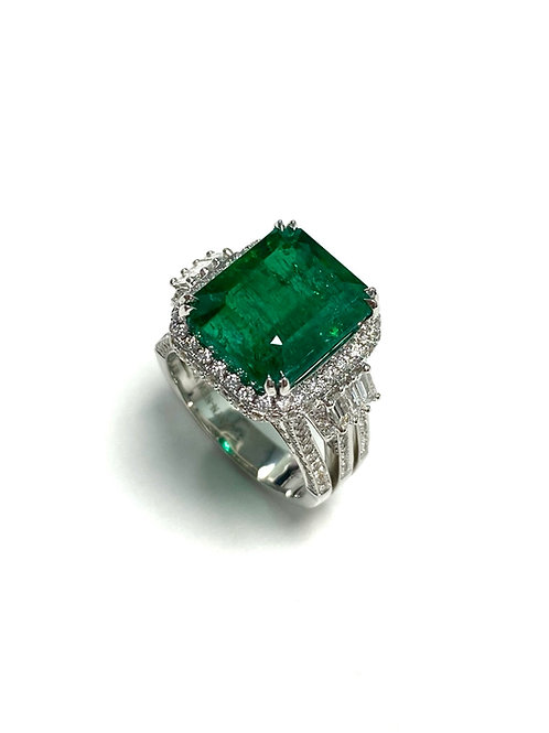 Emerald Emeraldcut Ring 9.07 cts