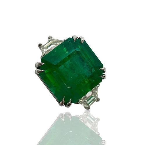 Emerald Emeraldcut Ring 12.48 Cts