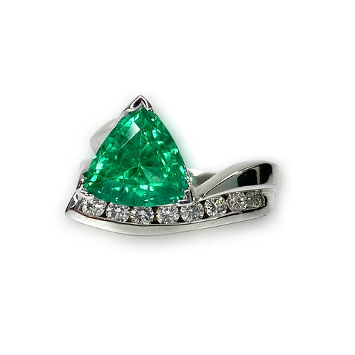 Emerald Trillion Ring 2.57 cts