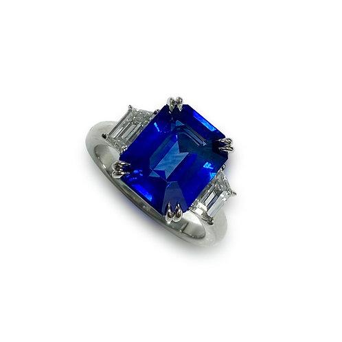 Ceylon Sapphire Emeraldcut Ring 5.24 cts