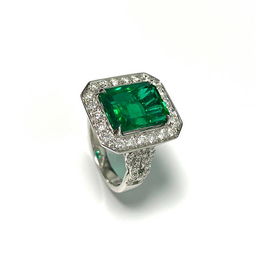 Emerald Emeraldcut Ring 5.25 cts