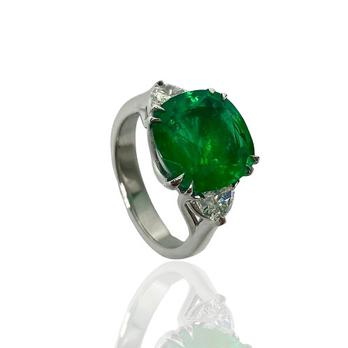 Emerald Cushion Ring 4.90 Cts