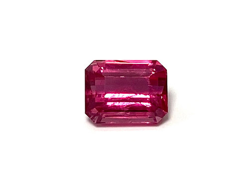 Spinel Emeraldcut 2.25 cts