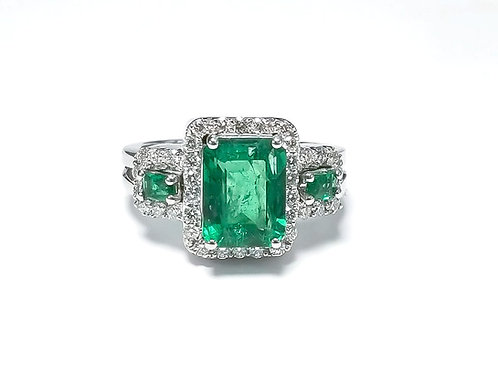 Emerald Emeraldcut Ring 2.40 cts
