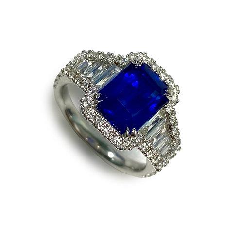 Ceylon Sapphire Emeraldcut Ring 3.57 cts