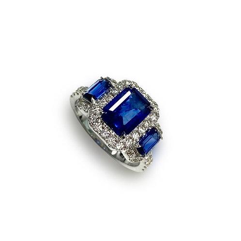 Ceylon Sapphire Emeraldcut Ring 2.51 cts