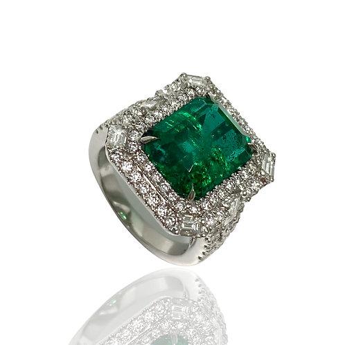 Emerald Emeraldcut Ring 6.35 Cts