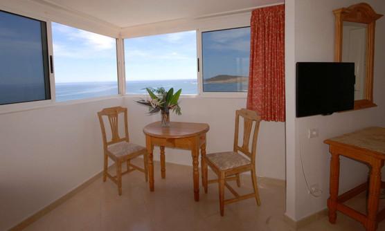 Suite2-2000-60.jpg