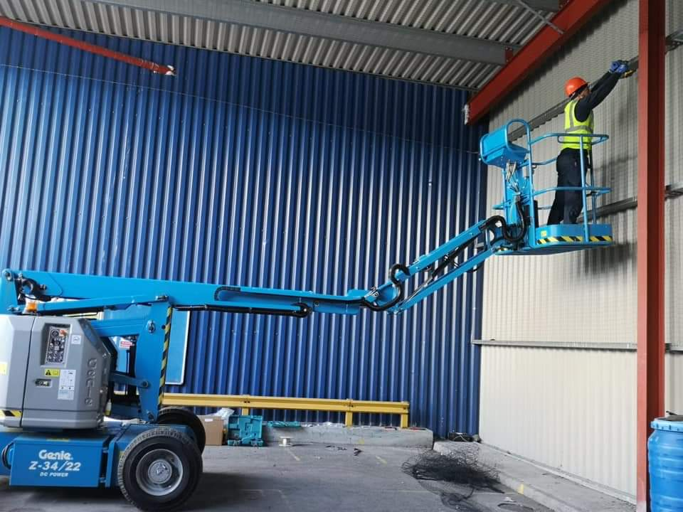 bird-work-proofing-cherry-picker-pigeon-netting-work-commerial-spiking-east-lancashire-bird-proofing