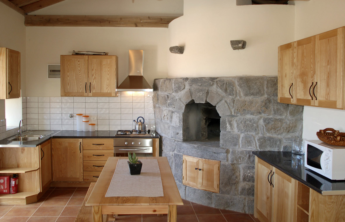 azores accommodation stone oven