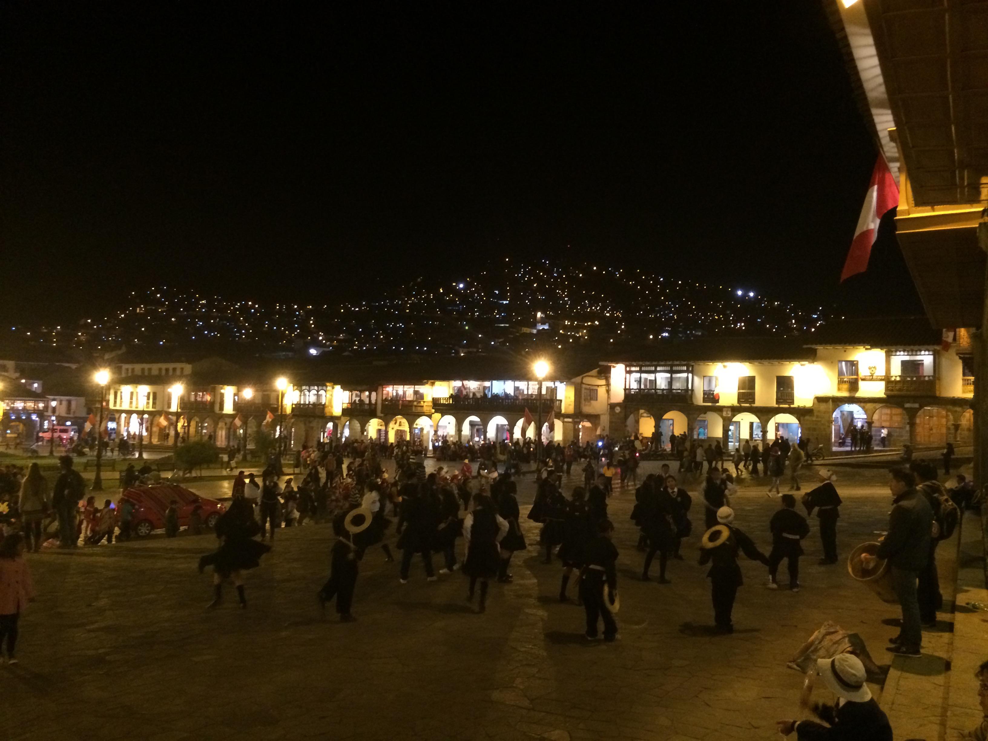 Plaza de Armas en la noche
