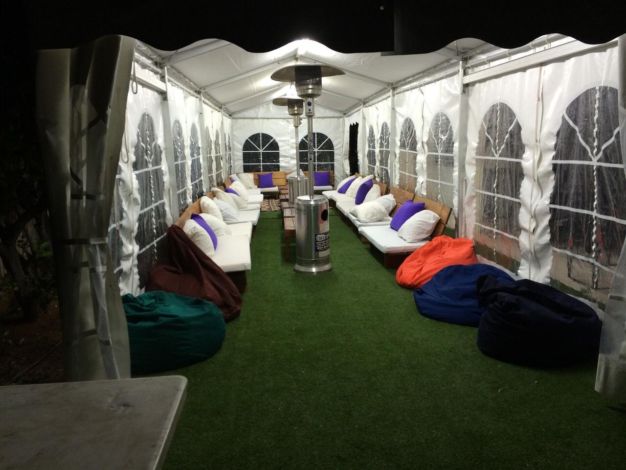 אוהל סגור בחצר בית רעננה